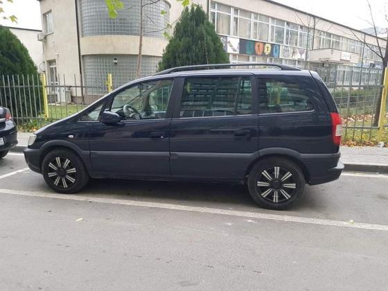 Shes kerrin Opel Zafira